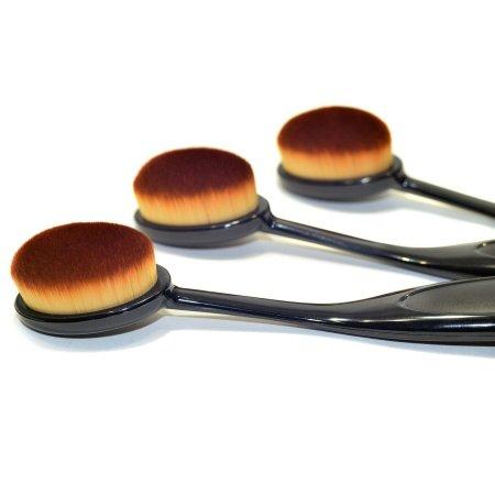 Кисть-щётка для макияжа Masterclass Oval с гибкой ручкой